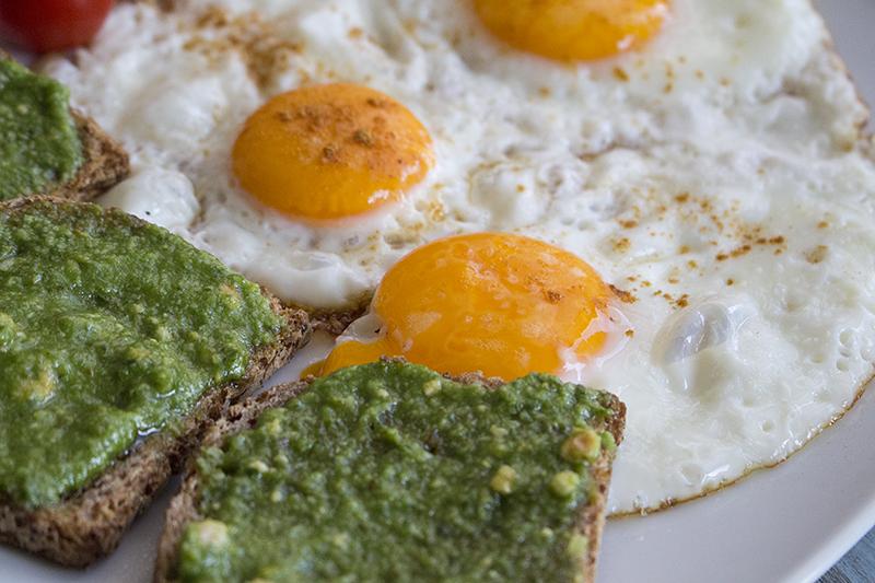 Pesto i jaja 2 s